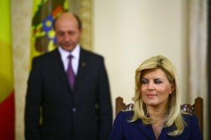 """Udrea, umilită la TVR: Vezi cum a răspuns la întrebarea """"Sunteți iubita lui Băsescu?"""""""