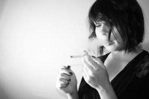 Impactul fumatului asupra economiei. Într-un singur an, tratamentele fumătorilor s-au ridicat la 1,2 miliarde de lei