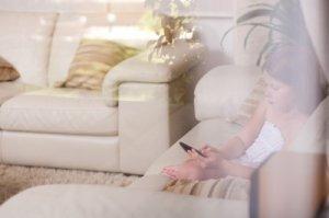 Cand este copilul pregatit sa ramana singur acasa? 6 reguli pentru siguranta sa