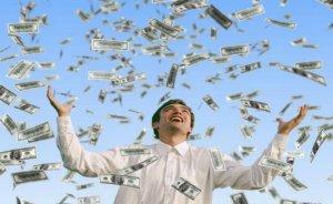 Averea celor mai bogaţi oameni din lume creşte cu jumătate de milion la fiecare 30 de secunde