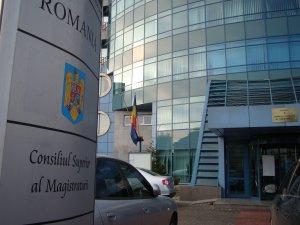 CSM analizează dacă se impune sesizarea Inspecţiei Judiciare în cazul fotografiilor cu Udrea şi Bica
