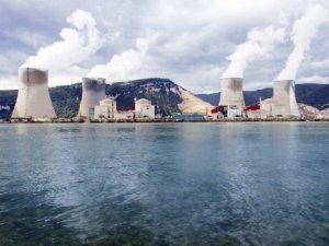 2 centrale nucleare din Franţa au fost survolate de DRONE NEIDENTIFICATE