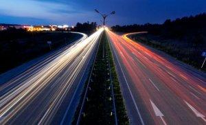 Guvernul german pregăteşte o taxă de autostradă pentru ŞOFERII STRĂINI