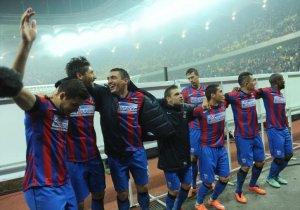 Steaua ÎNVINGE Dinamo cu scorul de 3-0