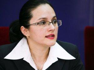 Cum negocia şefa DIICOT, Alina Bica, funcţii pentru prieteni