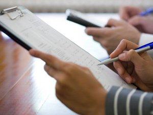 """Sinteza Zilei: Raportul Curţii de Conturi care arată cum se făceau retrocedări """"pe considerente politice sau de oportunitate"""" la ANRP"""