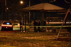 Un copil de 12 ani a fost împuşcat de poliţiştii americani, după ce a scos un pistol cu bile