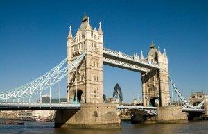 """Cum şi-au bătut joc englezii de unul din simbolurile Londrei: """"Era mort de BEAT"""""""