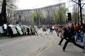 """FIERBE Republica Moldova cu trei zile înainte de alegeri. """"RUSIA pregăteşte ceva"""""""