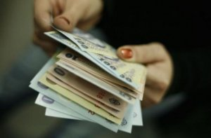 Bugetarii din învăţământ ale căror salarii au fost tăiate în 2010 îşi pot primi banii înapoi