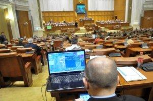 Bugetul pe 2015 ar putea primi votul final sâmbătă