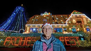 Casa unui neamţ, atracţie turistică. Şi-a împodobit locuinţa cu pest 400.000 de luminiţe, de Crăciun