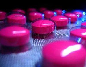 """Efectele nebănuite ale pastilei pe care o iau sute de mii de români. Cercetători: """"Poate LUNGI viaţa"""""""