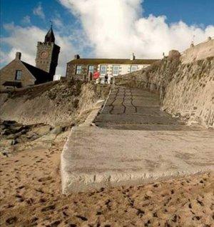 Ce s-a întâmplat pe această plajă din Marea Britanie. Fenomenul este inexplicabil