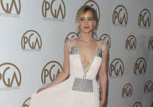Jennifer Lawrence, imposibil de ignorat la gala Producers Guild of America
