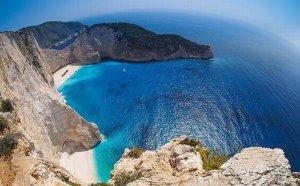 Noul premier grec declară război turismului all-inclusive. Taxe mai mari pentru hotelurile care oferă aceste servicii