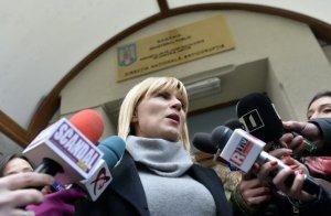 Elena Udrea şi-a luat BODYGUARZI care să o păzească non-stop