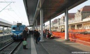 Peste 69 de trenuri au staţionat în gări din cauza trecerii în această noapte la ora de vară