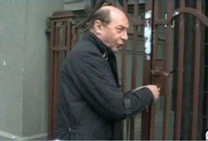 Una dintre vilele în care ar fi putut să se mute Traian Băsescu a fost scoasă la vânzare