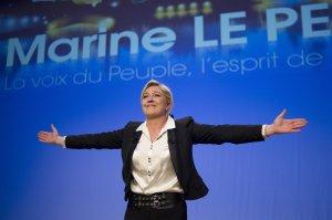 """Consilier: """"Marine Le Pen ar putea fi următorul preşedinte al Franţei"""""""