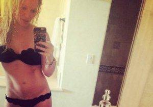 Hilary Duff, în bikini pentru a fi un model