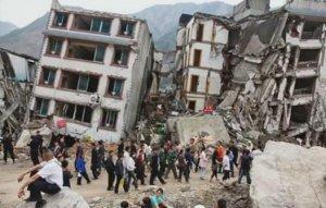 Cel puţin 1.130 de morţi, după CUTREMURUL DEVASTATOR din Nepal. Guvernul instituie stare de urgenţă în zonele afectate