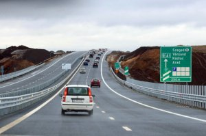 Infrastructura este în continuare un punct sensibil. Drumurile din România, asfaltate pe jumătate