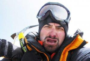 Alpinistul Alex Găvan a fost coborât cu elicopterul din tabăra de bază