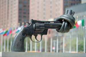 Comisia Europeană propune crearea unui centru european de luptă împotriva terorismului