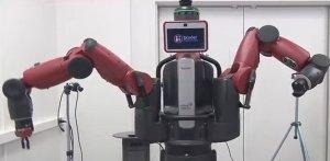 Faceţi cunoştinţă cu Julia, robotul care a învăţat să facă salată de pe YouTube