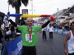"""Cine e """"Enduroman"""", cântăreţul român care a lăsat scena pentru cele mai dure maratoane de pe pământ"""