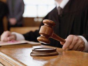 Închisoare cu suspendare pentru fostul şef al Protecţiei Consumatorilor Constanţa