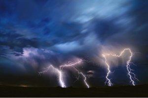 Cod galben de furtună în mai multe județe
