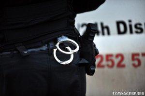 Polițiști reţinuţi pentru muşamalizarea unui accident