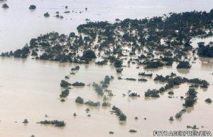 Inundaţii devastatatoare. Zeci de oameni au murit