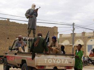 Zece militari ucişi în confruntările cu teroriştii din Mali
