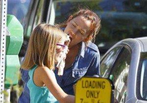 Mămică hulpavă! Jennifer Garner, o devoratoare. Chiar şi cu fiica ei