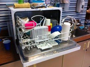 5 lucruri pe care le poti curata in masina de spalat vase. Nu te-ai fi gandit la ele!