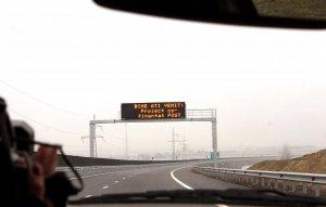 Lot de autostradă inaugurat anul trecut, închis din cauza unor crăpături în asfalt