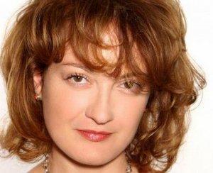Mirela Vescan începe un nou curs de make-up artist la Intact Media Academy