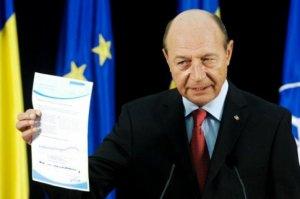 Traian Băsescu îşi continuă cariera politică. Ce anunţă azi fostul preşedinte