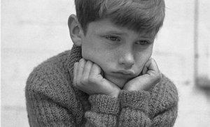 Studiu alarmant: 6 din 10 copii sunt bătuţi acasă