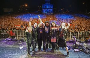 """Halucinant. Trupa rock Nightwish refuză anularea concertului de la Bucureşti: """"Ar trebui să ne trădăm fanii români doar pentru că nişte imbecili au dat foc unui club"""""""