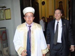 Muftiatul Cultului Musulman din România avertizează: În România există lăcaşuri de cult musulman în care se propagă idei religioase necunoscute. Sunt un pericol