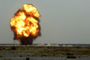 Un profesor de terorism-kamikaze al ISIS s-a aruncat în aer din greșeală. Toți elevii au fost uciși