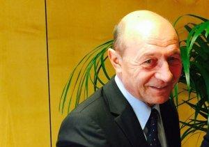 Cine l-a însoțit pe Traian Băsescu la parada de Ziua Națională a României