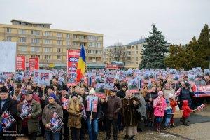 Sute de oameni, protest faţă de măsurile radicale asupra copiilor români în Norvegia