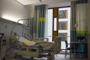Cum moare un om. A fost filmat pe patul de spital când își dădea ultima suflare. Imagini greu de privit