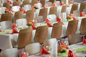 Cu ANAF-ul la nuntă. Inspectorii de la Fisc au luat cu asalt restaurantele în weekend