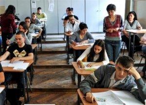 EVALUAREA NAŢIONALĂ 2016. Peste 153.000 de elevi de clasa a VIII-a susţin proba la Limba română